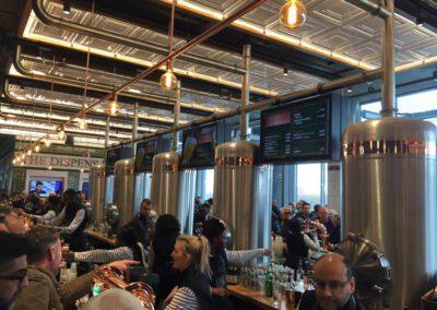 !Una cervecería dentro del estadio!